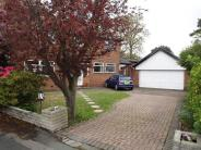 4 bed Detached property in Dawlish Avenue...