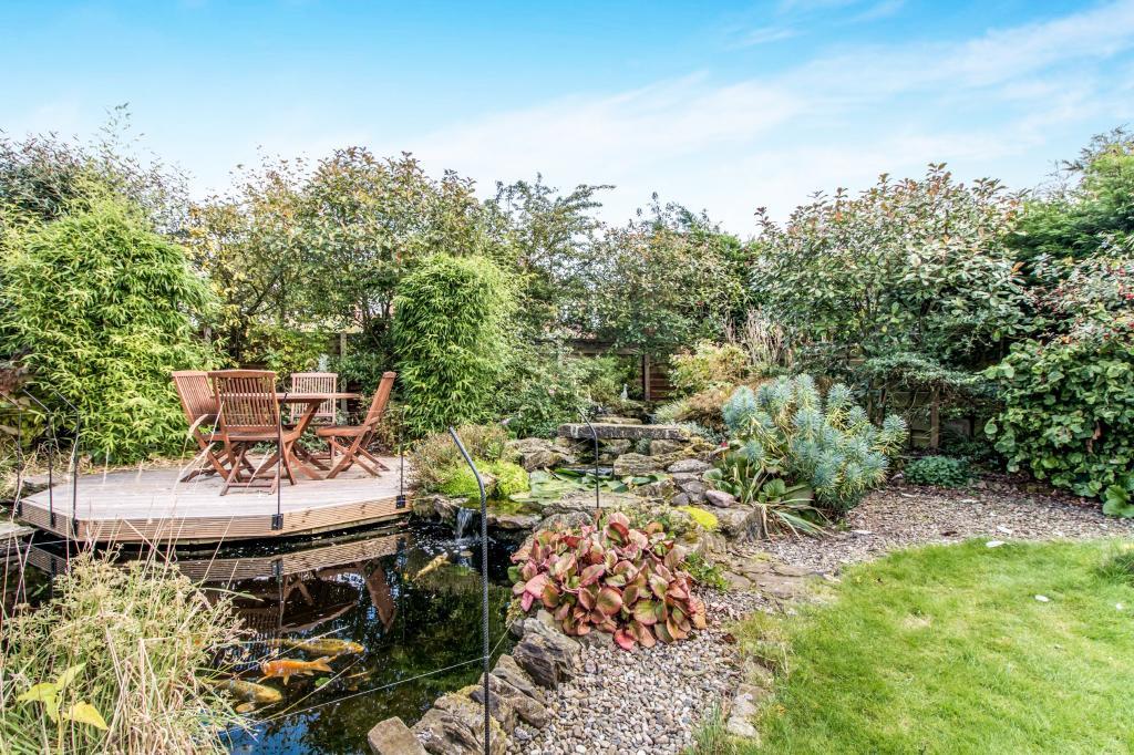 Garden Pond & Stream