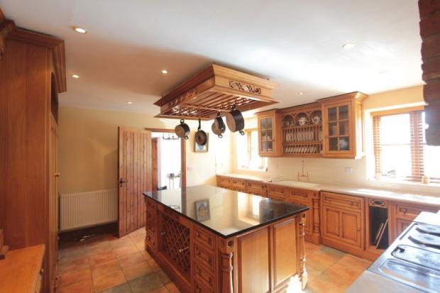 Kitchen (Angle)
