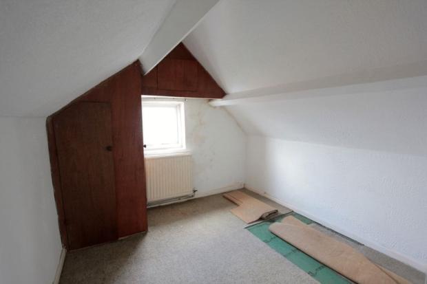 Bedroom 3/Walk...