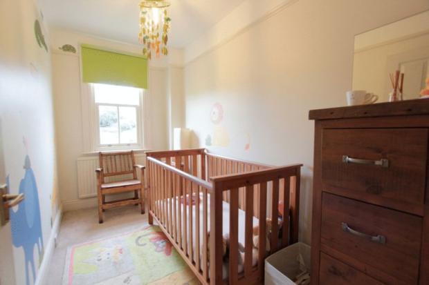 Nursery/Bedroo...