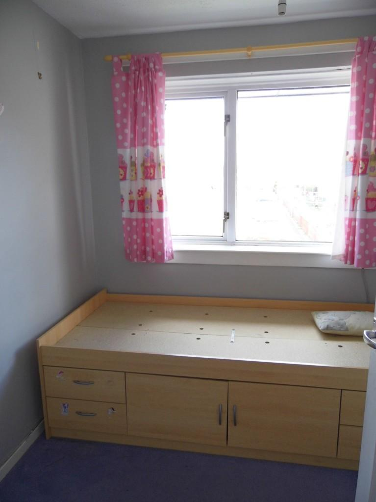 2 bedroom flat for sale in britannia way renfrew pa4 ols pa4 for Bedroom ideas uk
