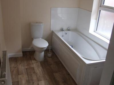 537_Bathroom.jpg