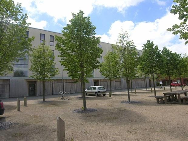 2 bedroom flat for sale in Lime Tree Square, Street, BA16