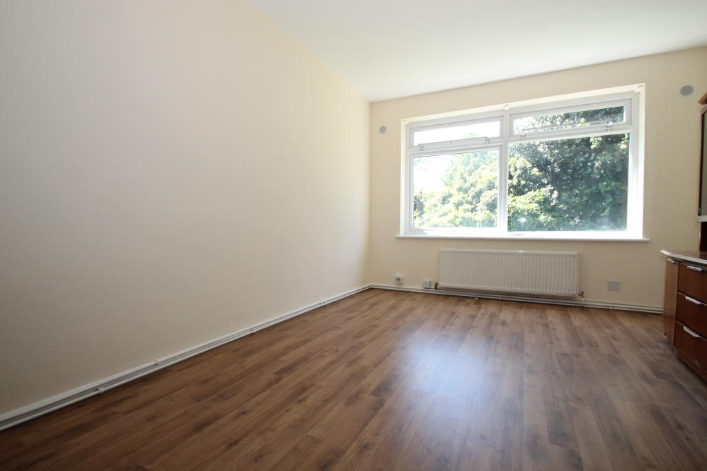 South Woodford Flat to rent