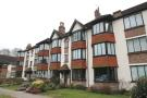 2 bedroom Flat in Snaresbrook, E11