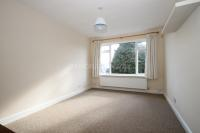 Flat to rent in South Woodford, E18