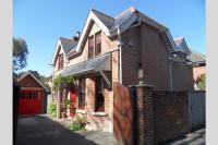 3 bedroom Cottage for sale in Bournemouth, BH4