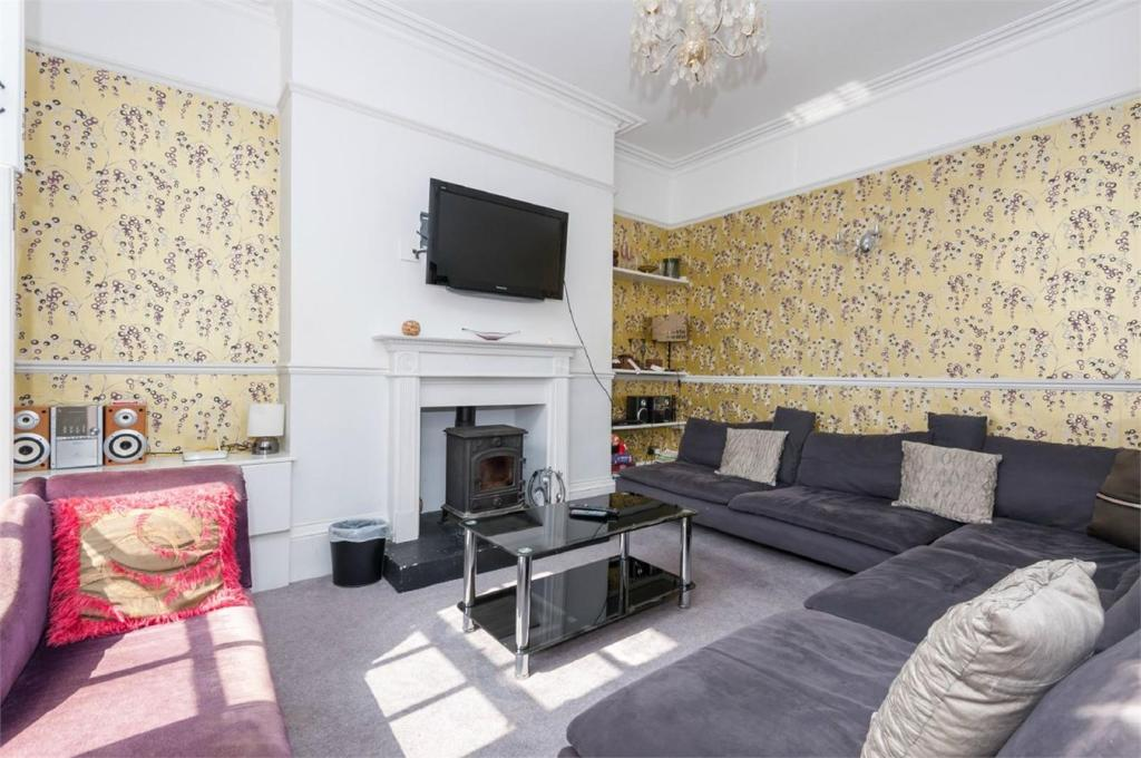 4 bedroom maisonette for sale in bloomsbury place 4 bedroom maisonette