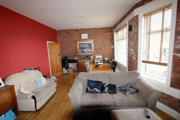 Living room di...
