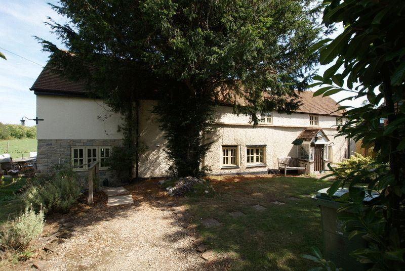 Bishopstone Buckinghamshire Property For Sale