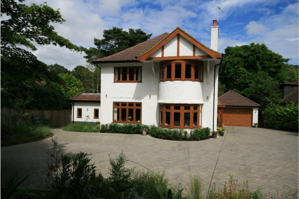 Canford Cliffs Road, Branksome Park, BH13 7AG