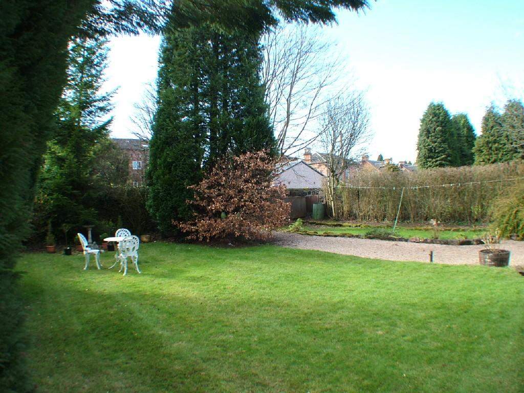 5 Bedroom Detached House For Sale In Douglas Gardens