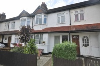 2 bedroom Maisonette in Kimble Road...