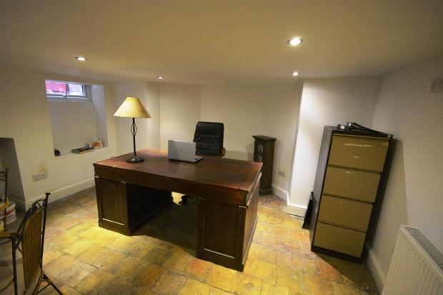 Office (Cellar)