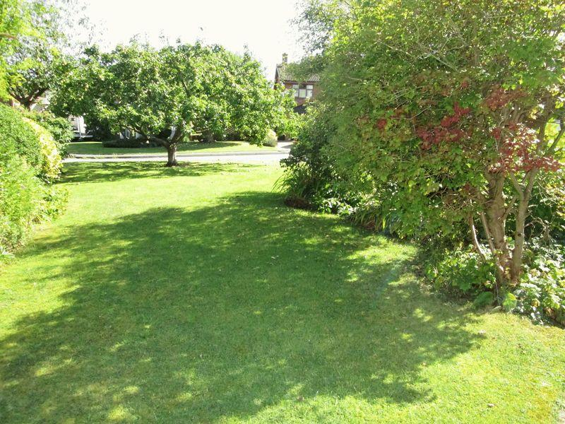 Front garden t...