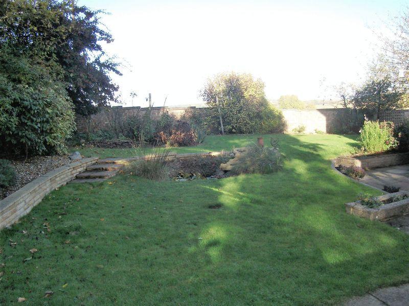 Garden wraps r...