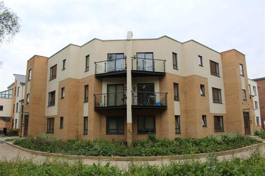 2 bedroom apartment to rent in lexham road ashland