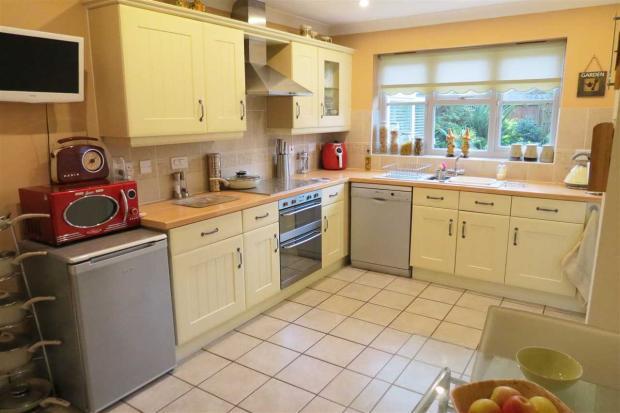 Dining Kitchen: