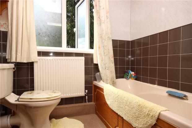 09 Family Bathroom