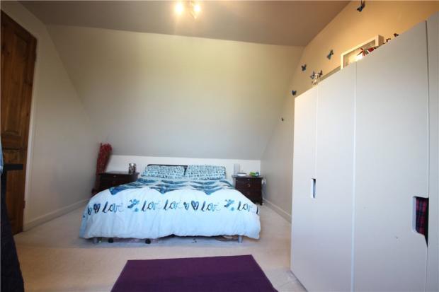 15 Annexe Master Bed