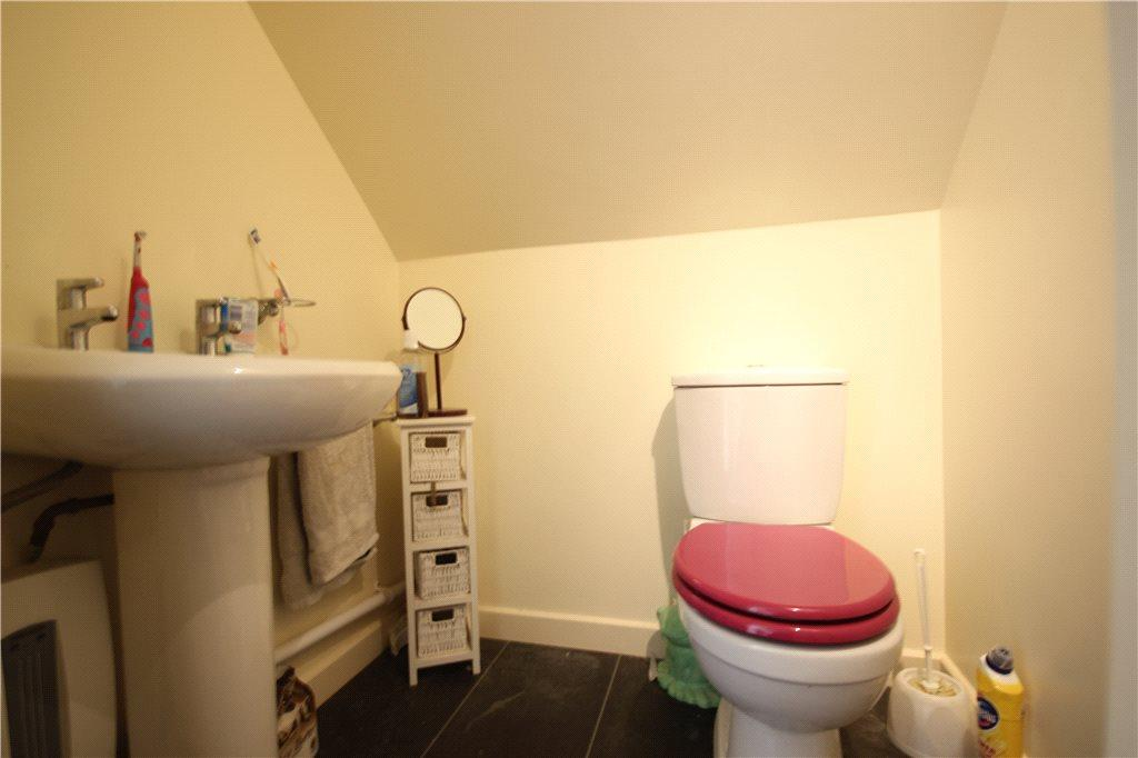 17 Annexe Bathroom