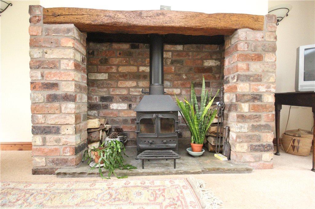 04 Fireplace