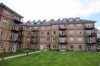 Flat to rent in 5 Worcester Close...