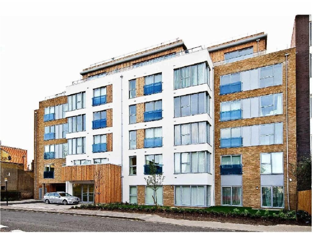 1 Bedroom Apartment For Sale In Gooch House Hammersmith