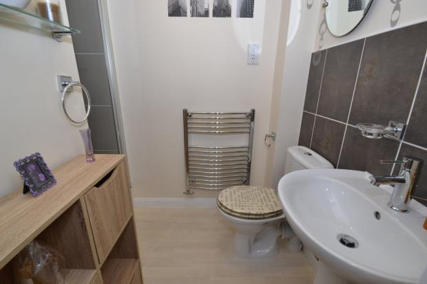 Bed 2 En Suite