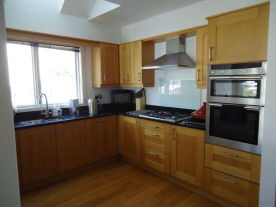 Kitchen with g...