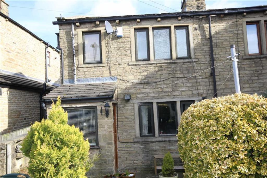2 bedroom cottage  Binks Fold, Wyke