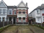 1 bedroom Flat to rent in Baxter Avenue...