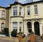 Maisonette for sale in Avenue Road...