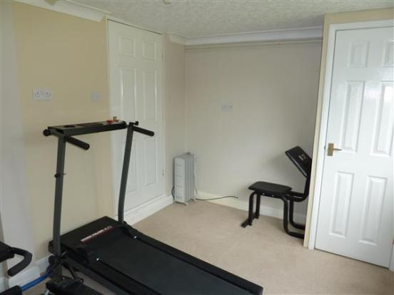 HOME GYM/OFFICE