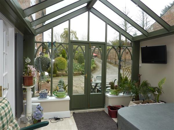 VINERY/CONSERVATORY