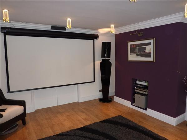 FAMILY/CINEMA ROOM