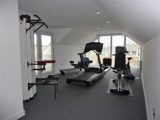 GYMNASIUM/BEDROOM