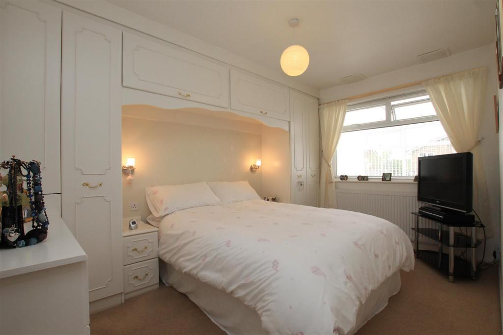 12 hilly croft bed 1
