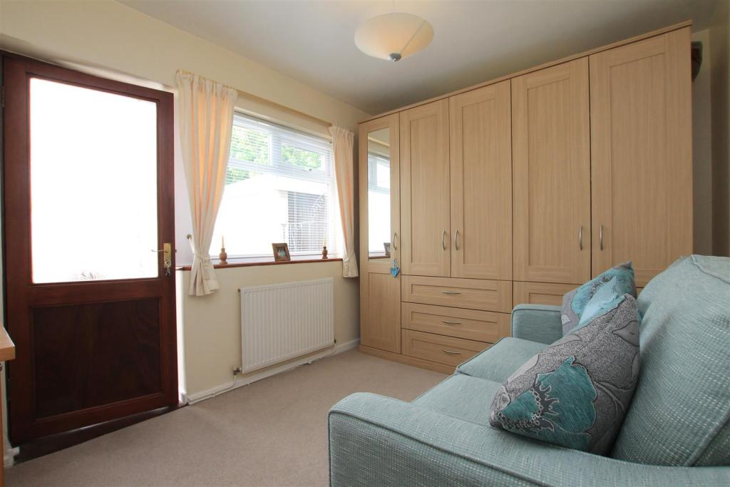 12 hilly croft bed 2