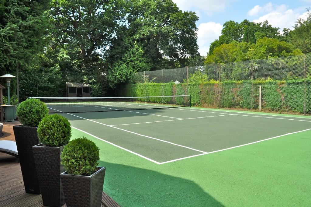 Tennis Ct