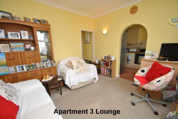 Apartment 3 Lounge