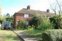 3 bed End of Terrace house for sale in Hawkins Hall Lane...