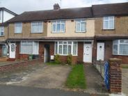 Terraced house to rent in Wordsworth Road, Luton...
