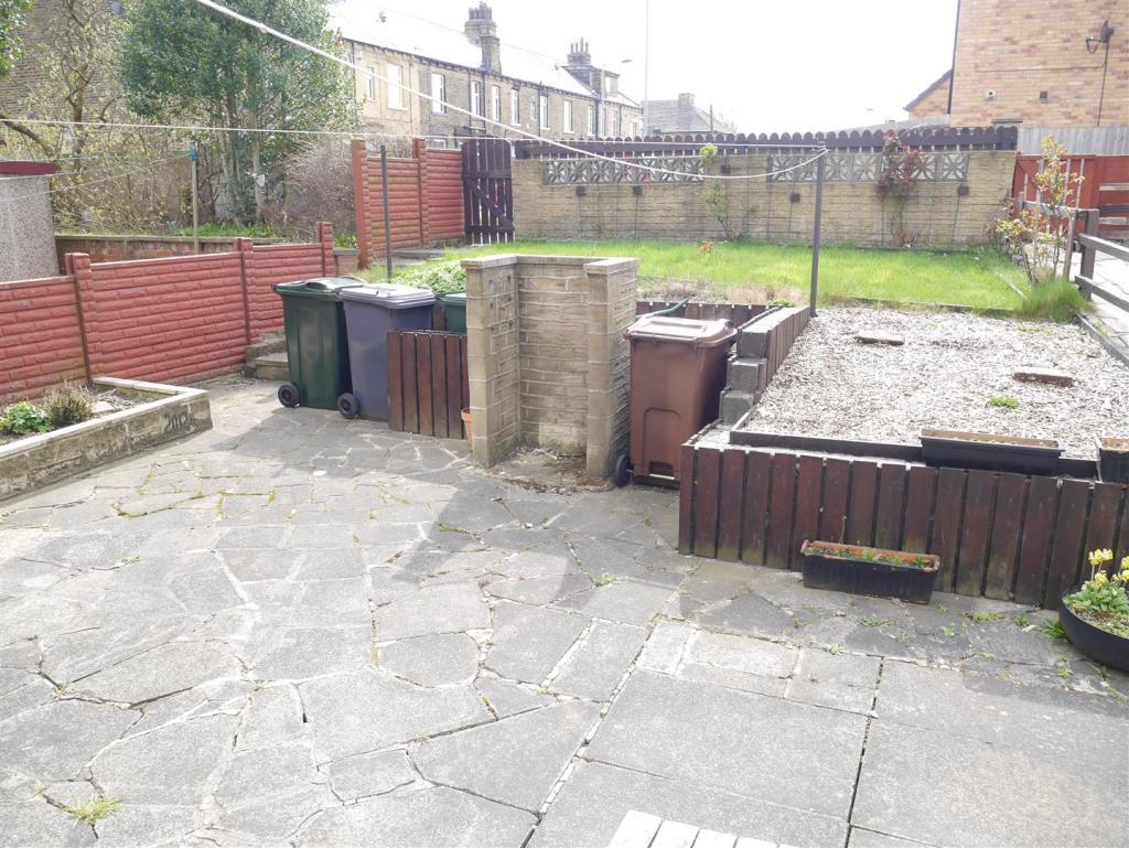 2 Fenby Grove-Garden
