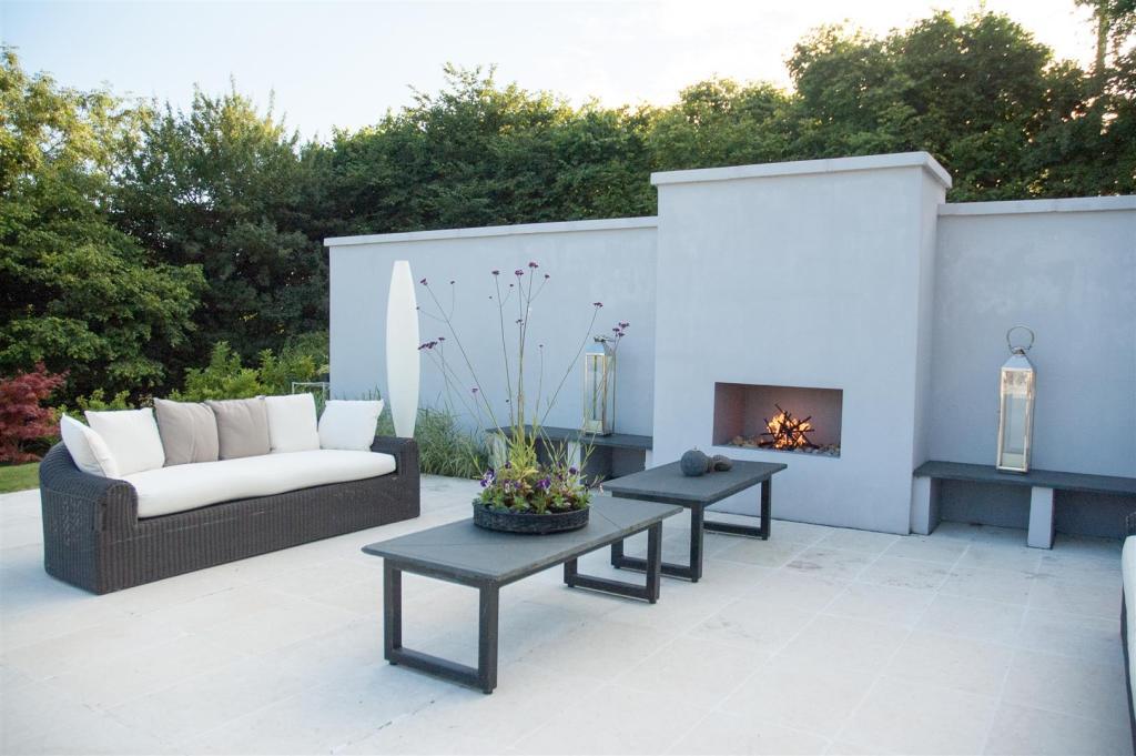 Summer Garden firepl
