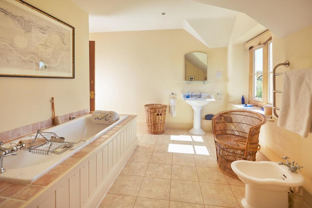 KP Bathroom.jpg