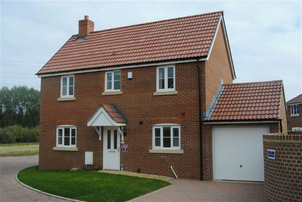 3 Bedroom Detached House For Sale In Caspian Close West Swindon Swindon Sn5