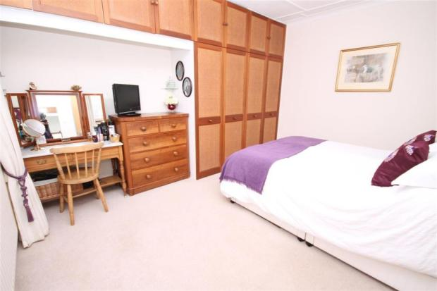 double aspect bed...