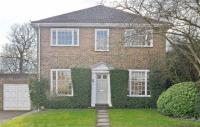 4 bed Detached home in Greenacre Close...